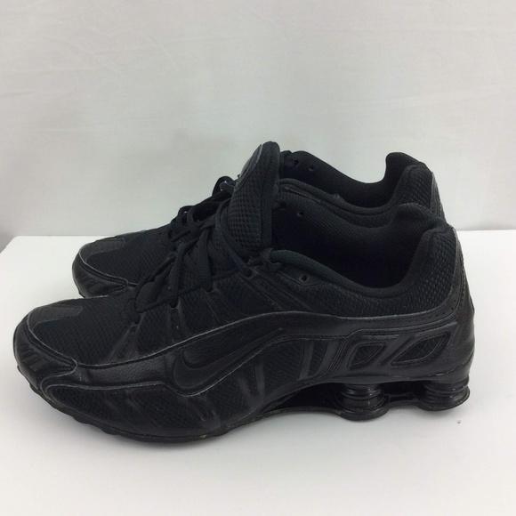 b73e992e618ae5 Nike Mens Shox Size 9 All Black Cross Trainers EUC